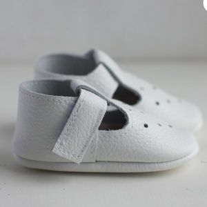 Unisex real leather white t-Strap baby moccasins